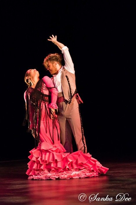 Kasandra-Flamenco-Emilio-Ochando-Pink-Bata