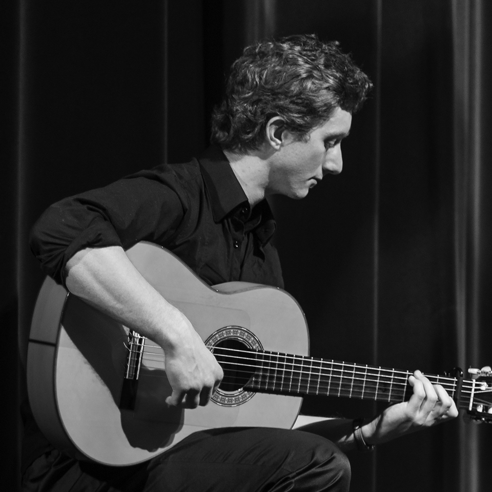 Gareth-Owen-Flamenco-Guitarist